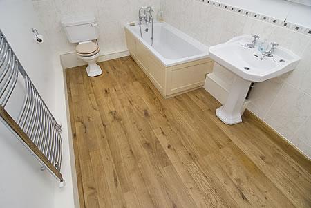 Plávajúca podlaha v kúpeľni